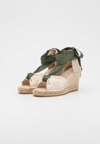 Macarena - CARLA  - Sandály na platformě - nude/crudo - 2