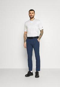 adidas Golf - ULTIMATE PANT - Pantalones - crew navy - 1