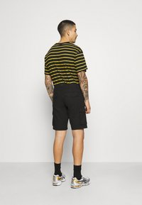 Only & Sons - ONSMIKE LIFE CARGO - Shorts - black - 2