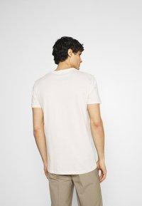 TOM TAILOR DENIM - WITH FOTOPRINT - Print T-shirt - soft beige solid - 2