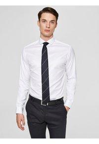 Selected Homme - PELLE - Camicia elegante - white - 0