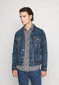 Levi's® - WELLTHREAD TRUCKER - Giacca di jeans - azurite indigo - 0