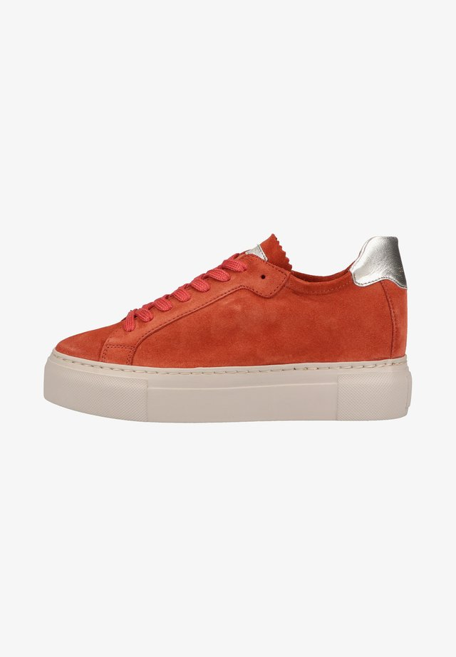 Sneakers laag - brick red
