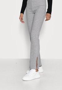 Gina Tricot Petite - TARA TROUSERS - Pantaloni - grey melange - 3