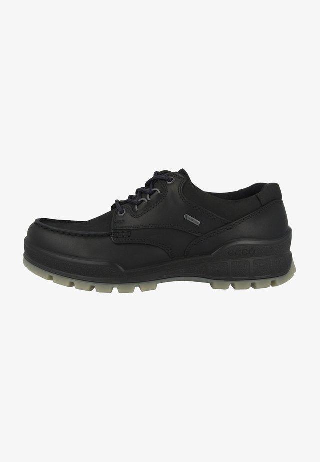 TRACK  - Sportieve wandelschoenen - black