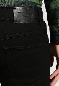 Selected Homme - SHSLIM LEON  - Džíny Slim Fit - black - 4