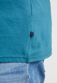 Jack´s Sportswear - SANTA TEE - Print T-shirt - petrol blue - 5
