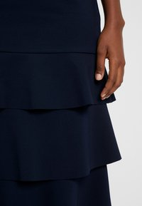 Apart - HEAVY SKIRT WITH VOLANTS - Jupe trapèze - midnightblue - 4