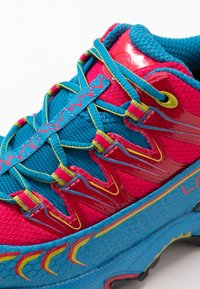 La Sportiva - ULTRA RAPTOR WOMAN GTX - Trail running shoes - neptune/orchid - 5