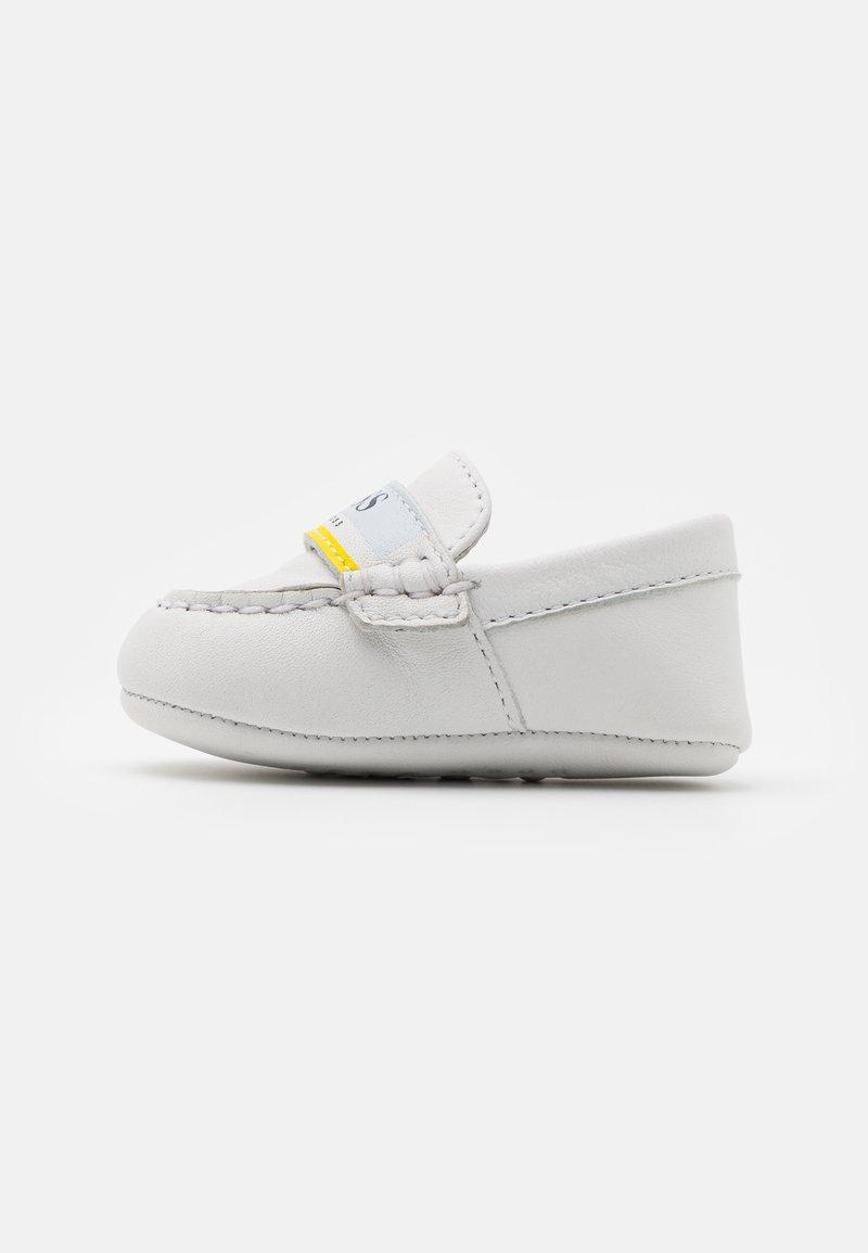BOSS Kidswear - První boty - white