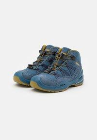 Lowa - ROBIN GTX UNISEX - Hiking shoes - stahlblau/senf - 1