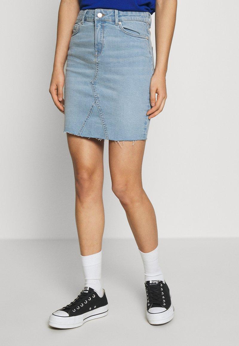 ONLY - ONLFAN SKIRT RAW EDGE  - Denim skirt - light blue denim