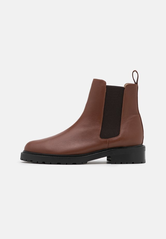 OLARVIK SUSTAINABLE - Ankle boots - doge cognac