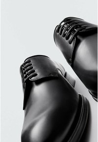 Massimo Dutti - Smart lace-ups - black - 6