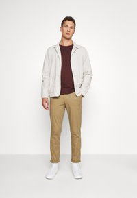 Selected Homme - SLHSLIM-MILES - Chino kalhoty - ermine - 1