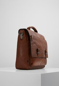 Strellson - SUTTON BRIEFBAG - Laptop bag - cognac - 3