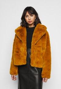 Missguided Petite - SHORT COLLAR COAT - Winterjas - camel - 0