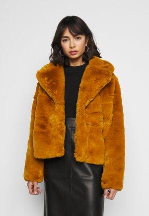 SHORT COLLAR COAT - Winter jacket - camel