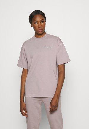 BRANDED WOMENS TEE - Jednoduché triko - light purple