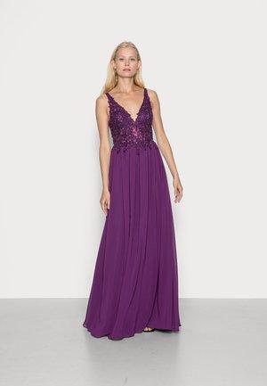 Suknia balowa - plum