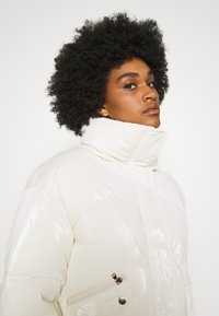 Molly Bracken - YOUNG LADIES WOVEN PADDED JACKET - Winter jacket - offwhite