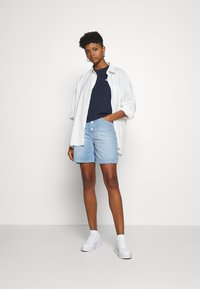 Tommy Jeans - Farkkushortsit - save light blue rigid - 1