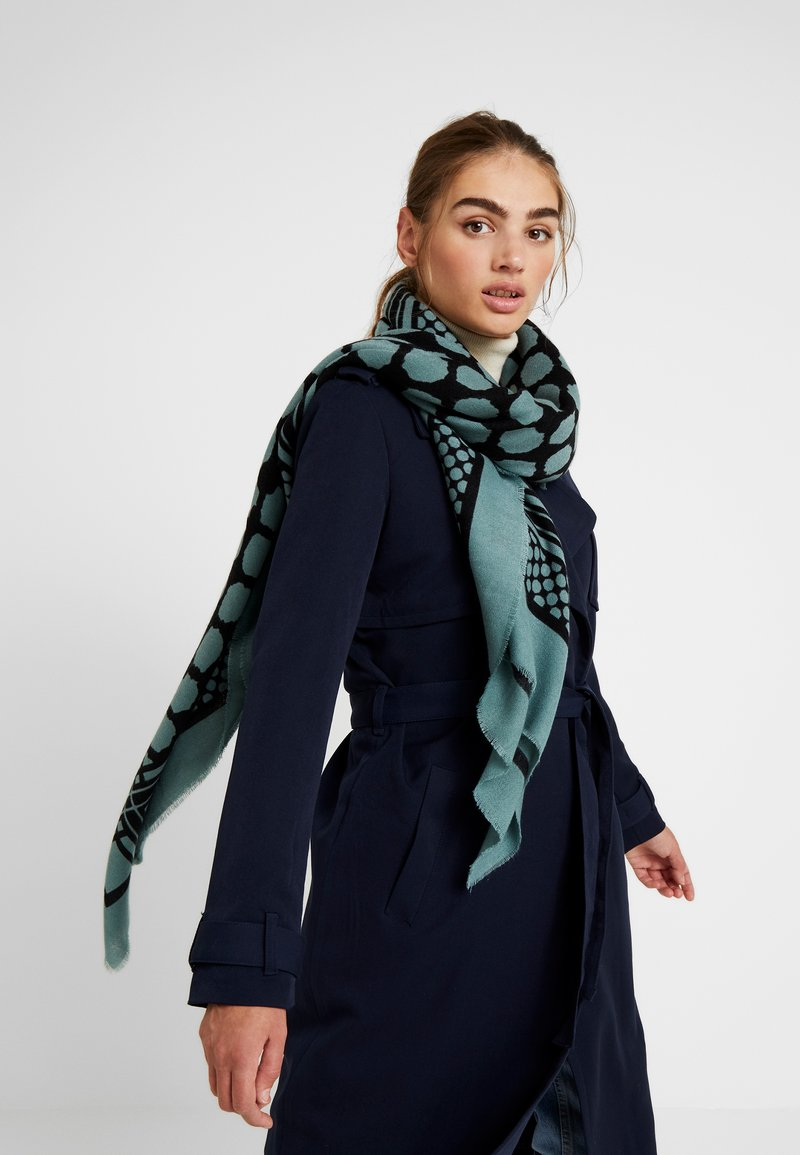 Vero Moda - VMMALINA SQUARE SCARF - Šátek - north atlantic