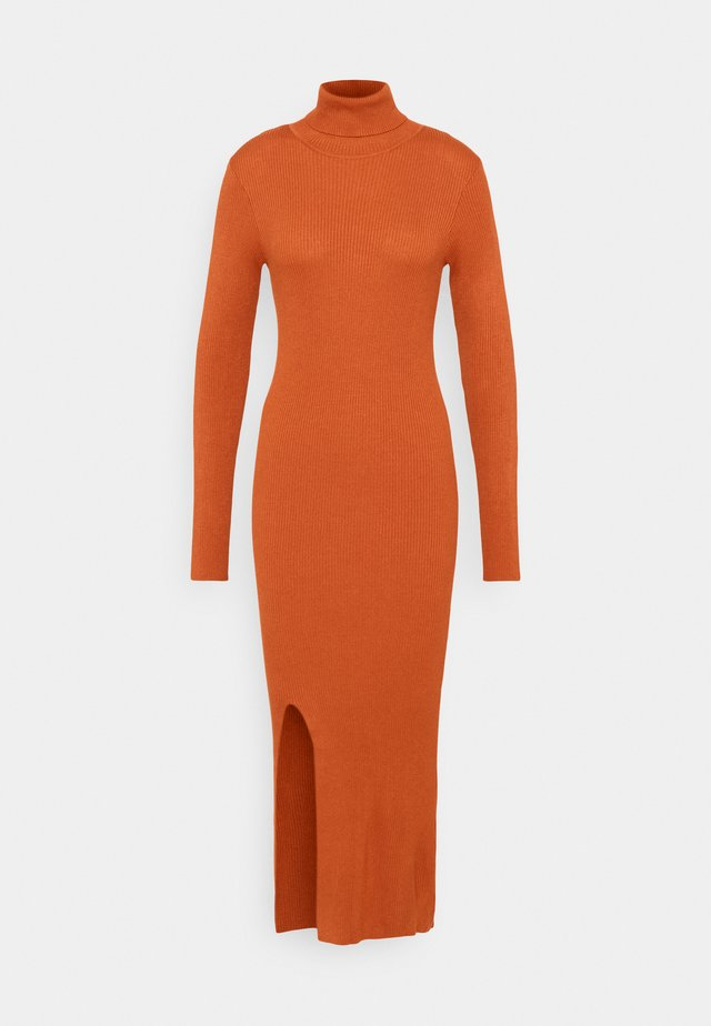 YASSBIRIELLA ROLLNECK DRESS - Etui-jurk - rust