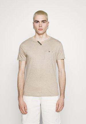 NICE - Basic T-shirt - stone melange