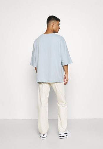 OVERSIZED 3/4 SLEEVE POCKET - T-shirt - bas - light blue