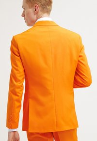 OppoSuits - The Orange - Garnitur - orange - 2