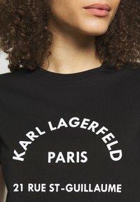 KARL LAGERFELD - ADDRESS LOGO TEE - T-shirt z nadrukiem - black - 4