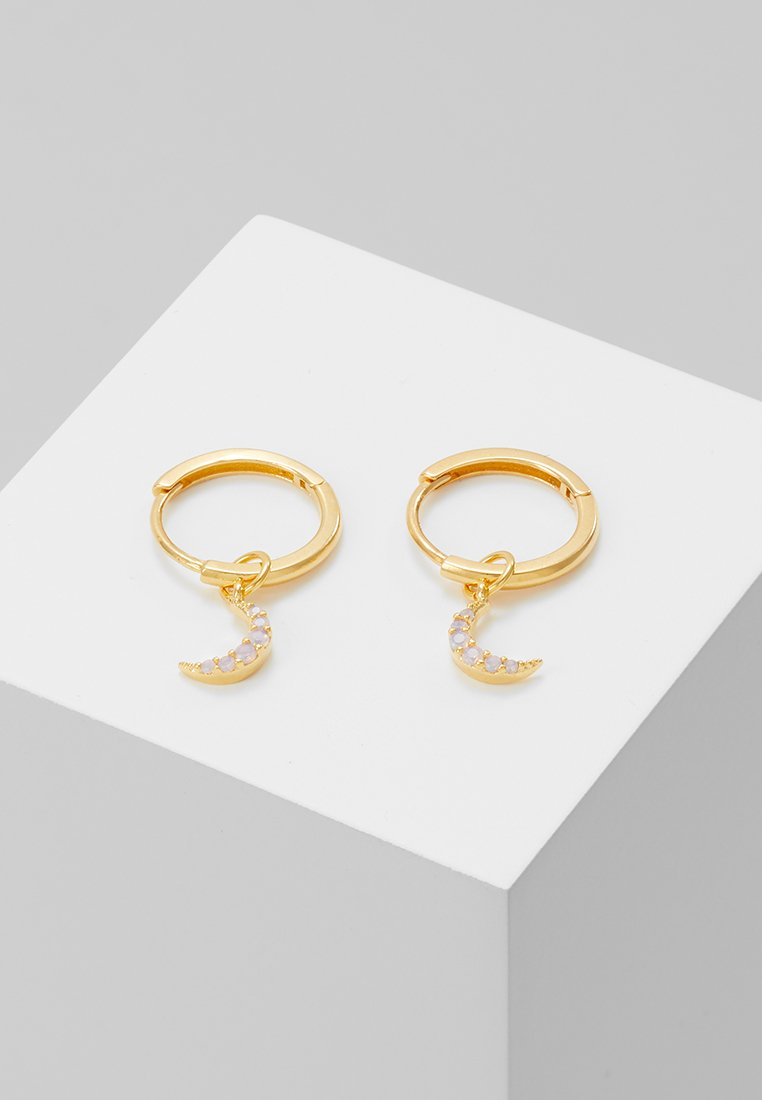 Astrid & Miyu - MYSTIC MOON PENDANT EARRINGS HOOPS - Boucles d'oreilles - gold-coloured