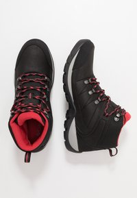 Columbia - FIRE VENTURE MID II WP - Scarpa da hiking - black/daredevil - 1