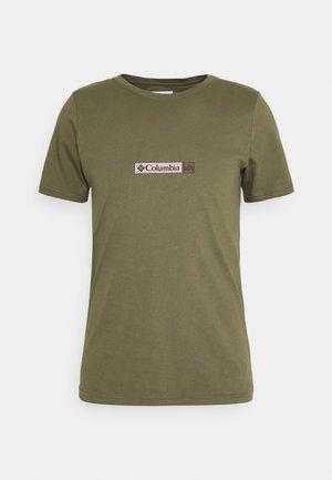 RAPID RIDGE BACK GRAPHIC TEE II - T-shirt z nadrukiem - stone green triple peak
