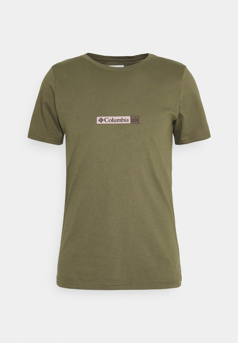 Columbia - RAPID RIDGE BACK GRAPHIC TEE II - Print T-shirt - stone green triple peak