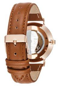 KIOMI - Watch - cognac - 2