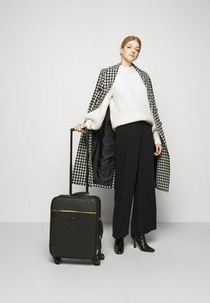 RANIERO - Wheeled suitcase - dark chokolate