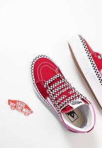 Vans - SK8 PLATFORM  - Sneakers hoog - chili pepper/fuchsia pink - 7