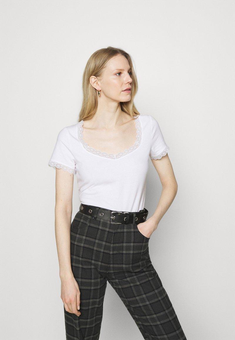 Anna Field - Jednoduché triko - white