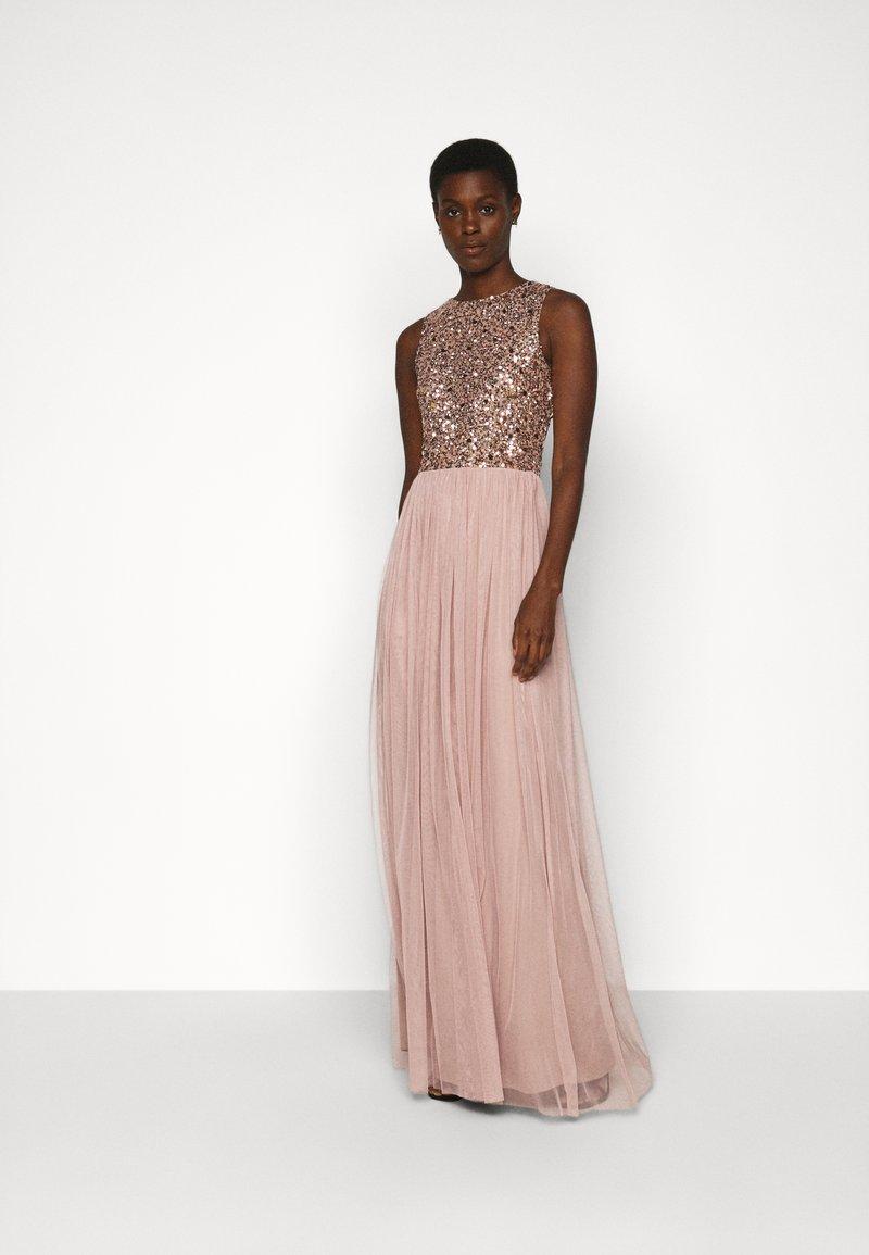 Lace & Beads Tall - PICASSO - Společenské šaty - mocha