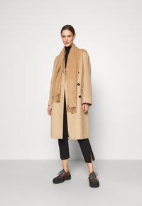 Theory - BELT COAT LUXE - Classic coat - palomino - 1