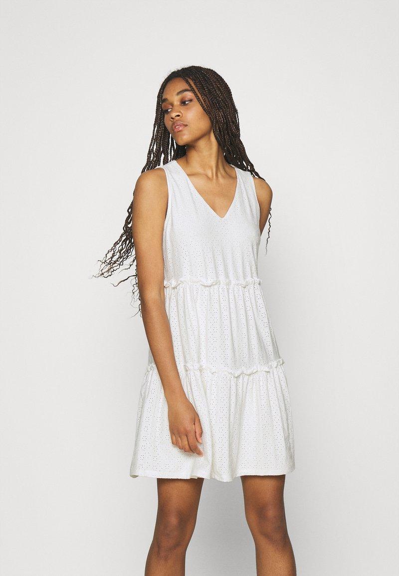 ONLY - ONLLINA V NECK DRESS - Vestido ligero - cloud dancer