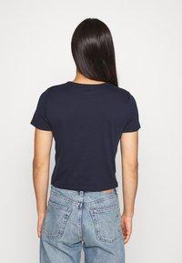 Hollister Co. - TUCKABLE SPORTY - Print T-shirt - navy - 2