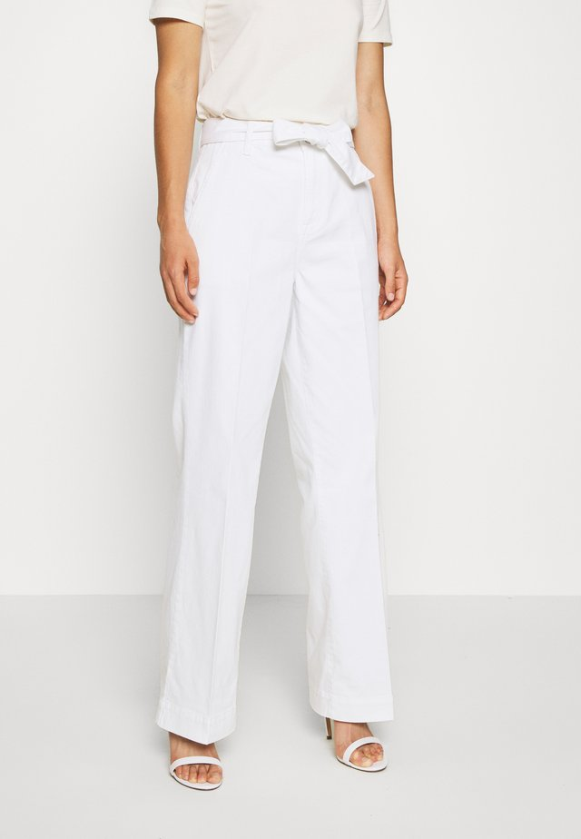 AUGUSTA FLARE OPTICAL  - Trousers - white