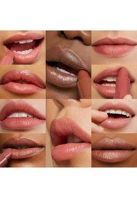 Bobbi Brown - CRUSHED LIP COLOR - Rouge à lèvres - 37 dark chocolate - 2