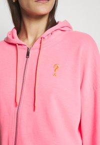 Guess - GALA - Zip-up hoodie - las palmas pink - 5