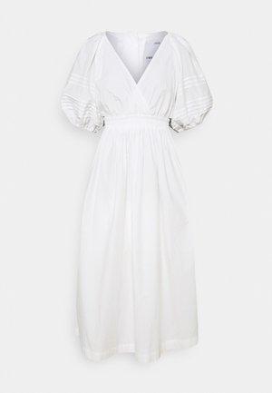 YOUR TIME DRESS - Vapaa-ajan mekko - white