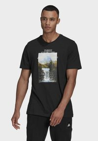 adidas Performance - MOUNTAIN TEE M - Print T-shirt - black - 0