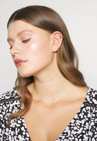 Orelia - DOUBLE EAR CUFF - Náušnice - pale gold-coloured - 1